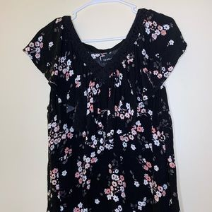 Torrid black ruffled blouse with flowers size 2